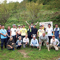 桜の植樹を行った段々畑の除草作業(2015.9.16)